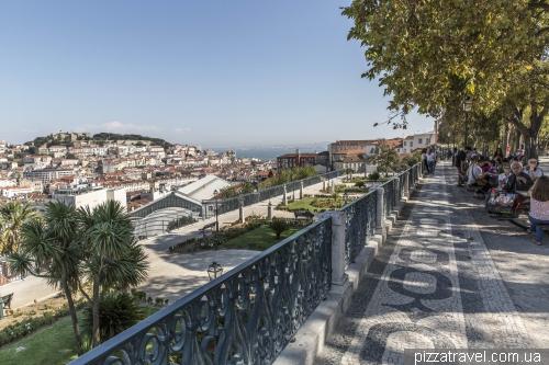 Лиссабон, Miradouro São Pedro de Alcântara