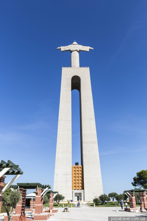 Statue of Christ in Lisbon