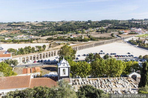 Obidos, 3 km aqueduct built to provide the city fountains with water