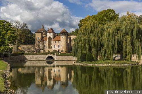 Sercy castle