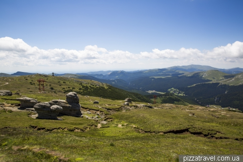 Гірський масив Бучеджи і сфінкс