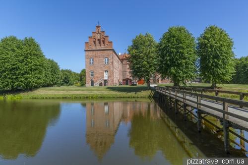 Замок Воєргорд (Voergaard)