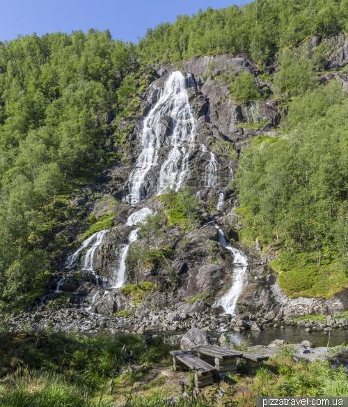 Водопад Флесефоссен