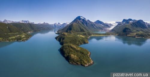 Engen Glacier lookout