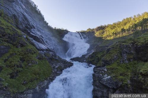 Водопад Кьосфоссен (Kjosfossen)