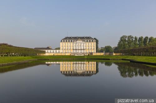 Дворец Аугустусбург в Брюле