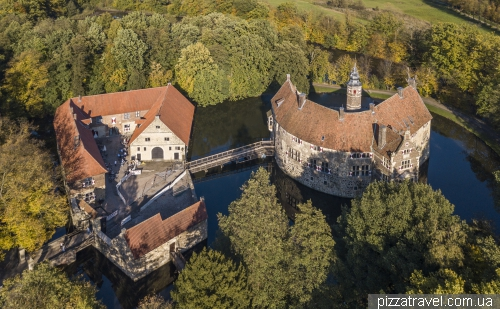 Замок Вишеринг (Wasserburg Vischering)