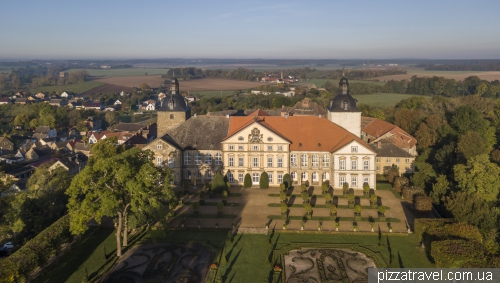 Замок Хундисбург (Schloss Hundisburg)