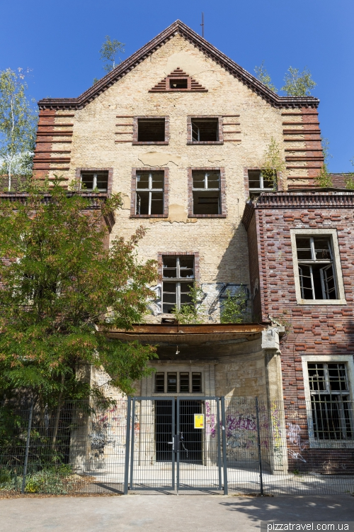 Заброшенная больница Белиц-Хайльштеттен (Beelitz-Heilstatten)