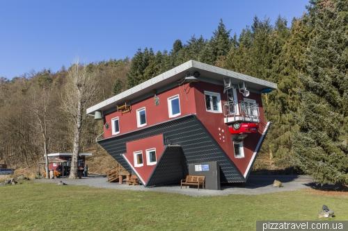 Дом вверх дном (Das Tolle Haus am Edersee)