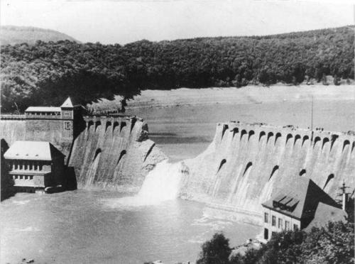 Дамба на озере Эдер (1943)