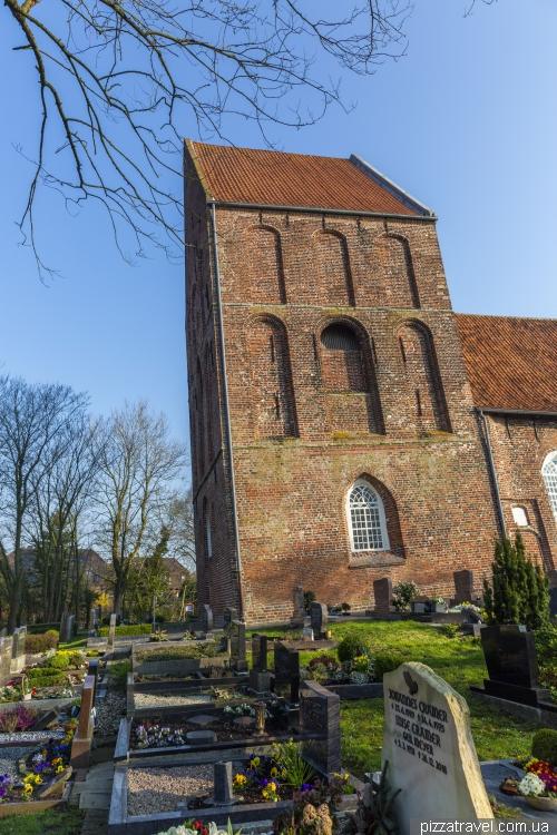 Падаюча церква в Зуурхузені (Suurhuser Kirche)
