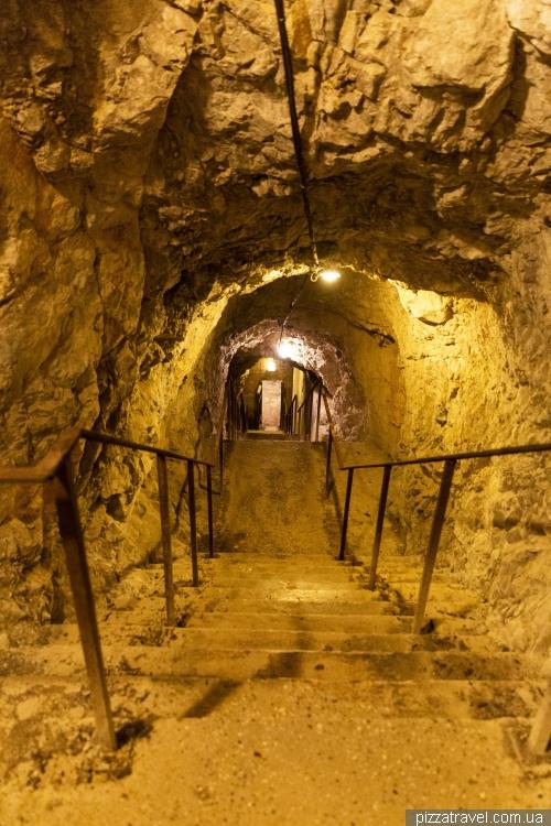 Бункер у замку Дуіно