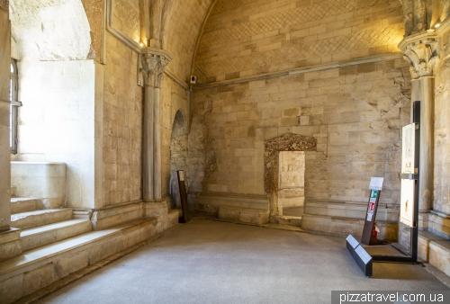 Замок Кастель-дель-Монте (Castel del Monte)