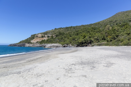 Пляж Кала-дАрконте (Spiaggia Cala dArconte)