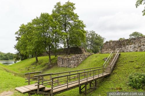 Арайшский озёрный замок