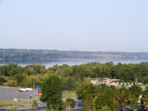 Вид на Хортицу с крыши 9-этажки