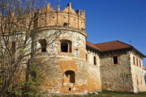 Руины замка князя Острожского