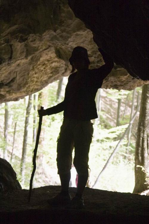 Печера Молочний камінь у Карпатському біосферному заповіднику