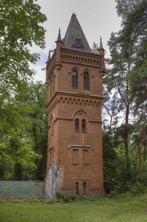 Водонапорная башня в готическом стиле