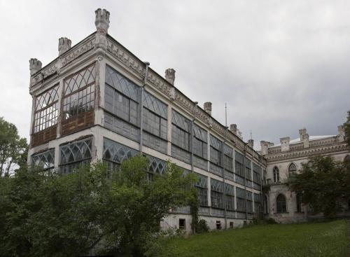 Эту часть достроили в 1920 году.