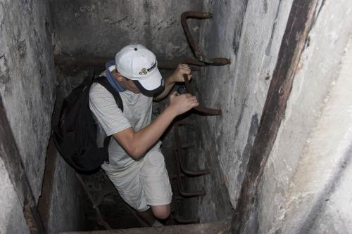 Спускаемся на минус первый этаж дота №179