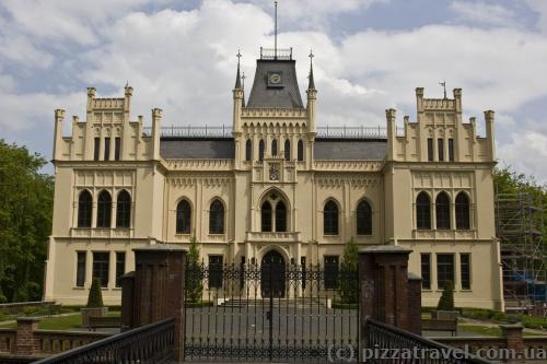 Замок Евенбург у Лері