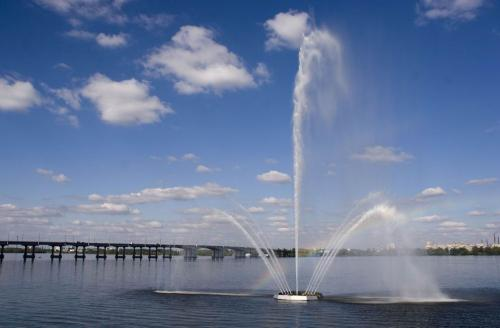 Fountain at the waterfront, look for a rainbow