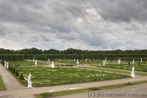 Фестиваль проходить у Великому саду Королівських садів.