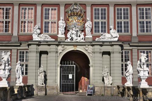 Вхід до палацу у Вольфенбюттелі