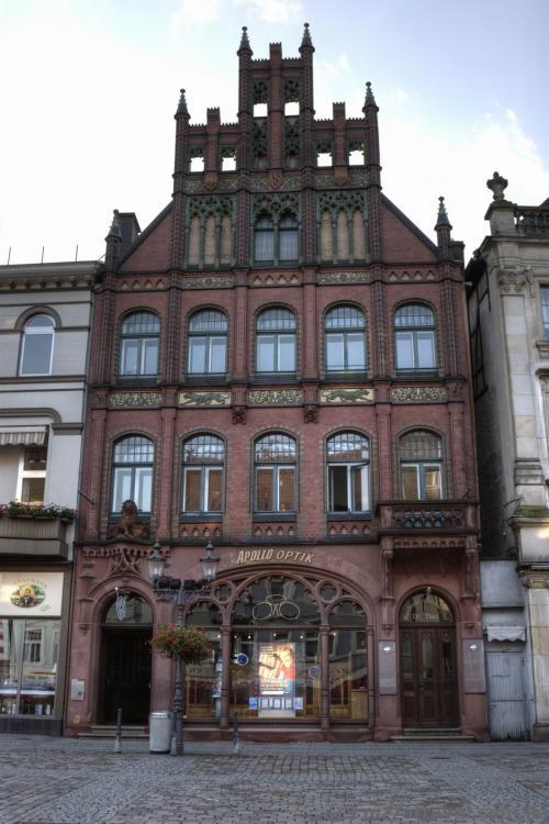 Старое здание на рыночной площади в Миндене