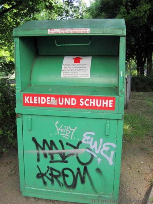 Мусорный бак для одежды и обуви в Берлине