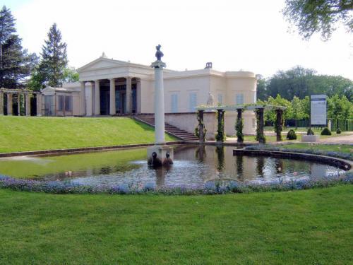 Дворец Шарлоттенхоф в Потсдаме