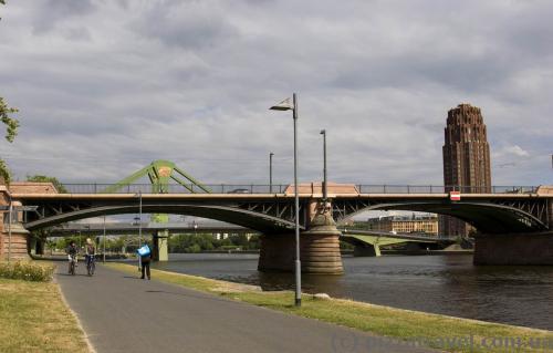 Набережна Франкфурта