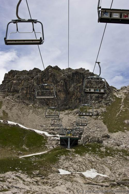 Cable car for skiers