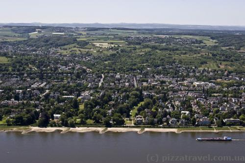 Вид на Рейн с горы Драхенфельс