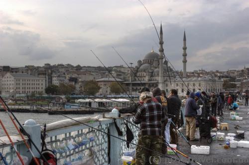 Рибалки на Галатському мосту