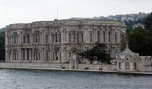 Палац Бейлербейі