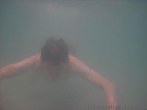 Видимість під водою нульова