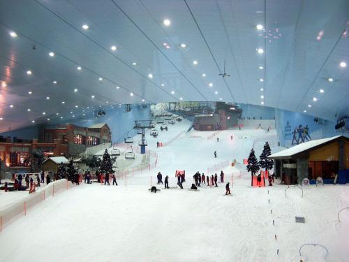 Крытый горнолыжный центр Ski Dubai
