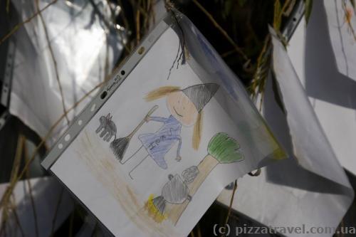 Children's drawings near the Rosenborg Castle