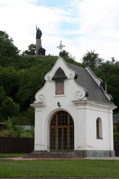 Замковая гора с памятником Богдану Хмельницкому