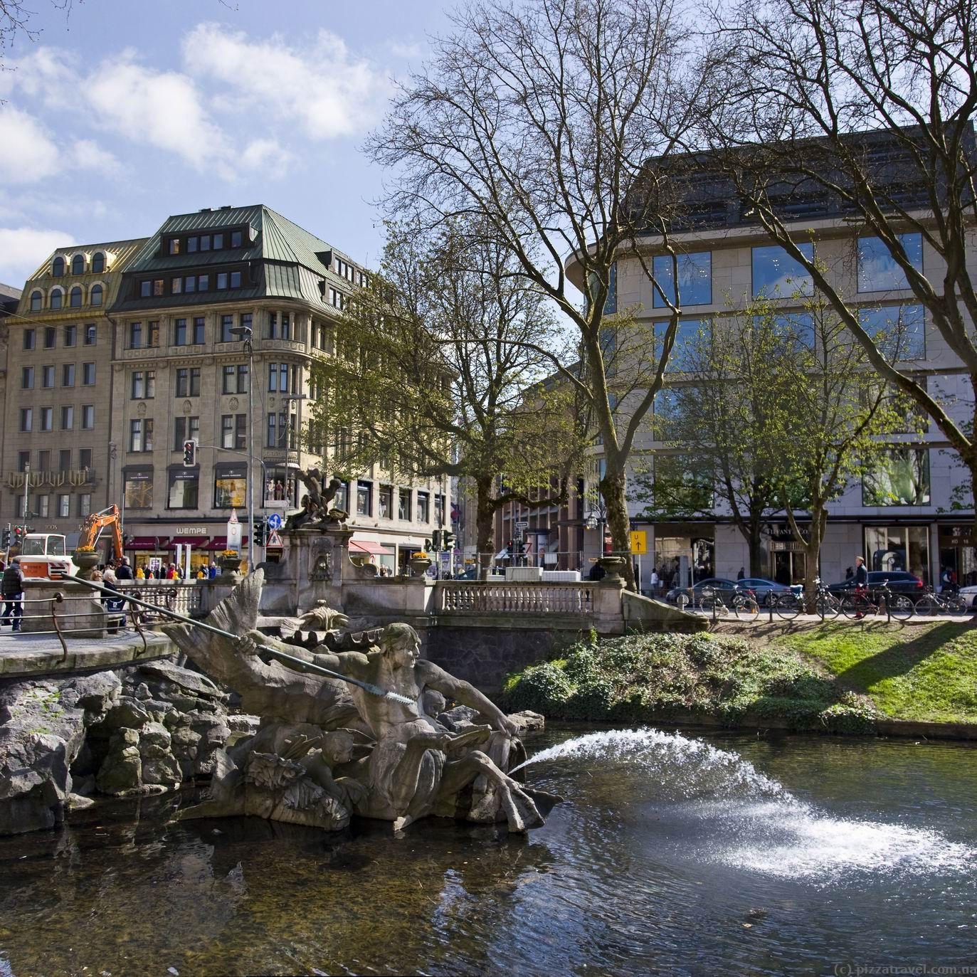 выбрать характер достопримечательности дюссельдорфа фото и описание место обозначено как