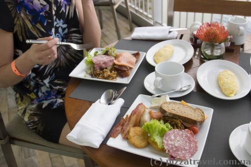 Завтрак в отеле Marina Bay Sands