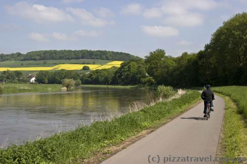 Cycling route along the Weser river
