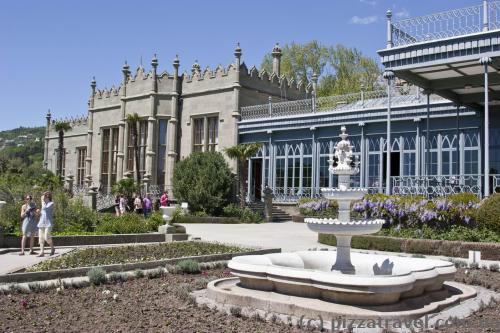 Гостьовий корпус і південні тераси Воронцовського палацу