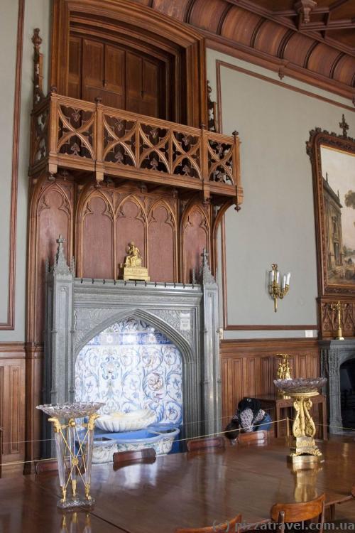 Парадная столовая дворца