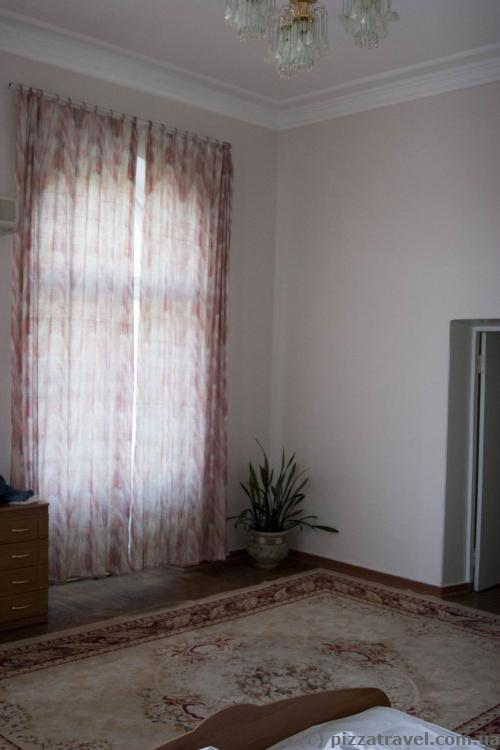 Hotel Crimea room
