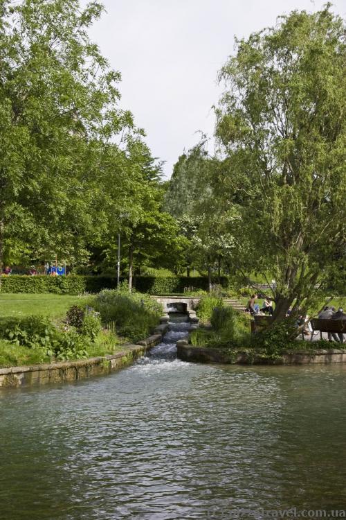 Река Падер, парк в центре города