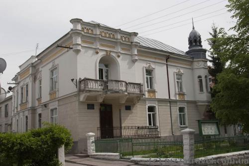Будиночки на вулицях Бандери та Воїнів УПА